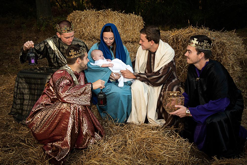 Live Nativity on December 8