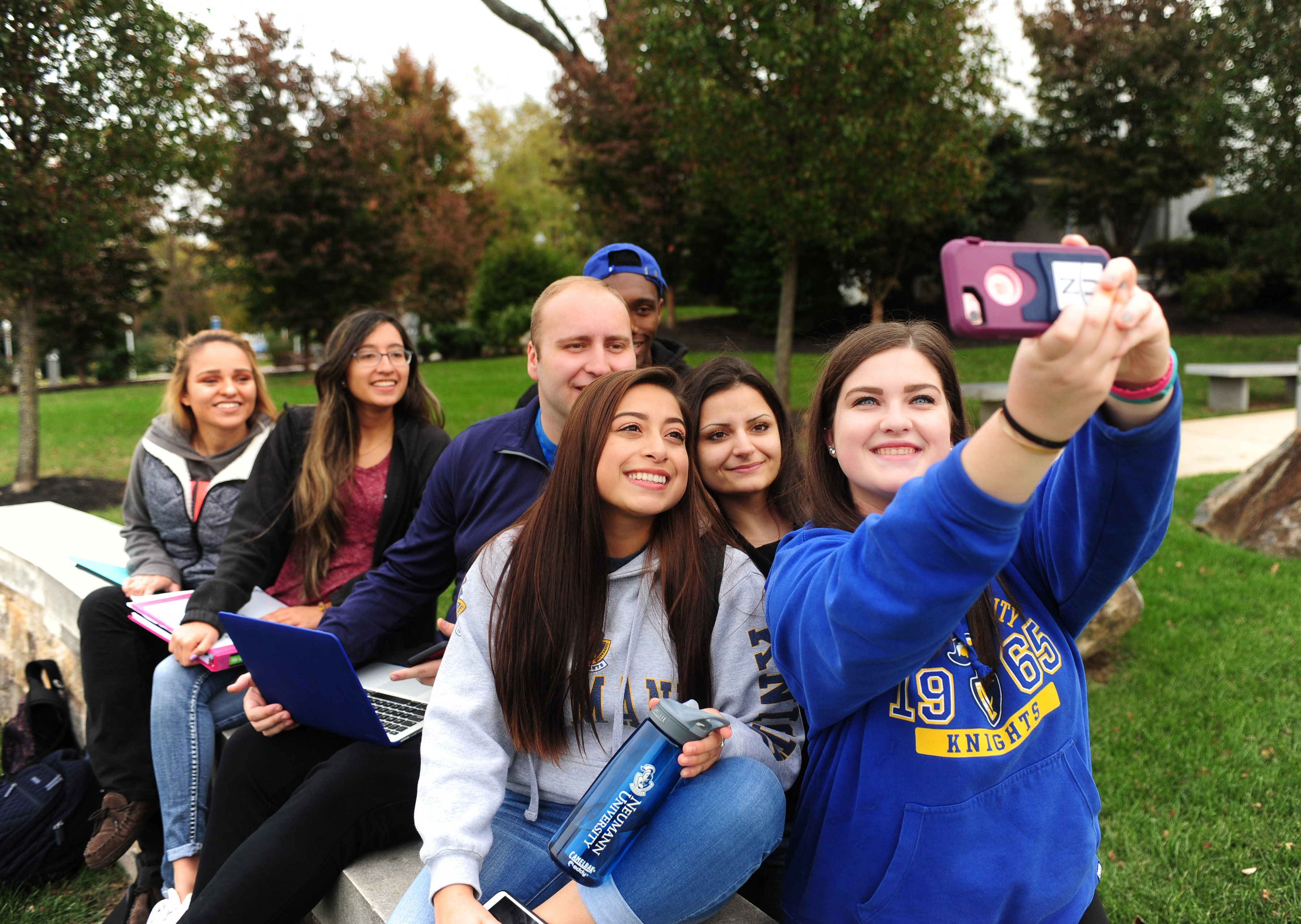 4 Ways to Make Friends Before Arriving on Campus
