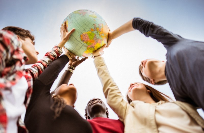 Finding Community: 4 Ways for International Students to Make Friends & Get Connected at College