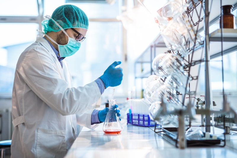 How to Become a Clinical Laboratory Scientist (And What to Look for in a Program)