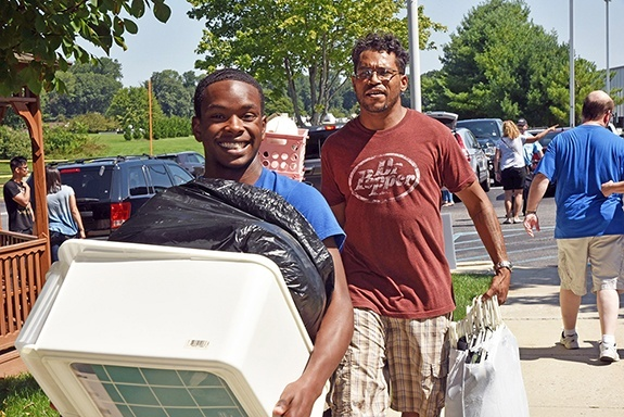 students-move-in-day-neumann-university-13